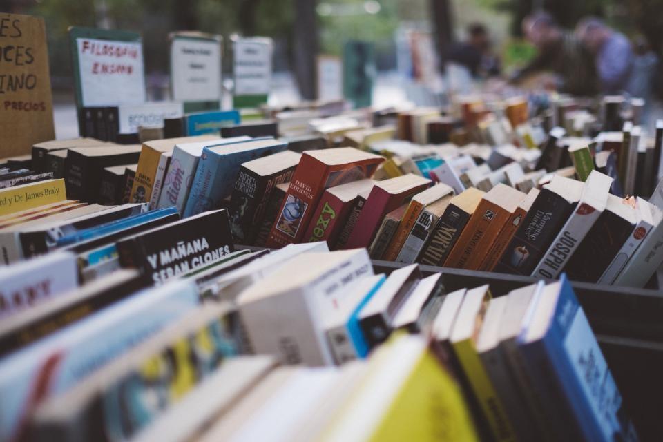 Polis Bible Commentary | Urban Loft Publishers