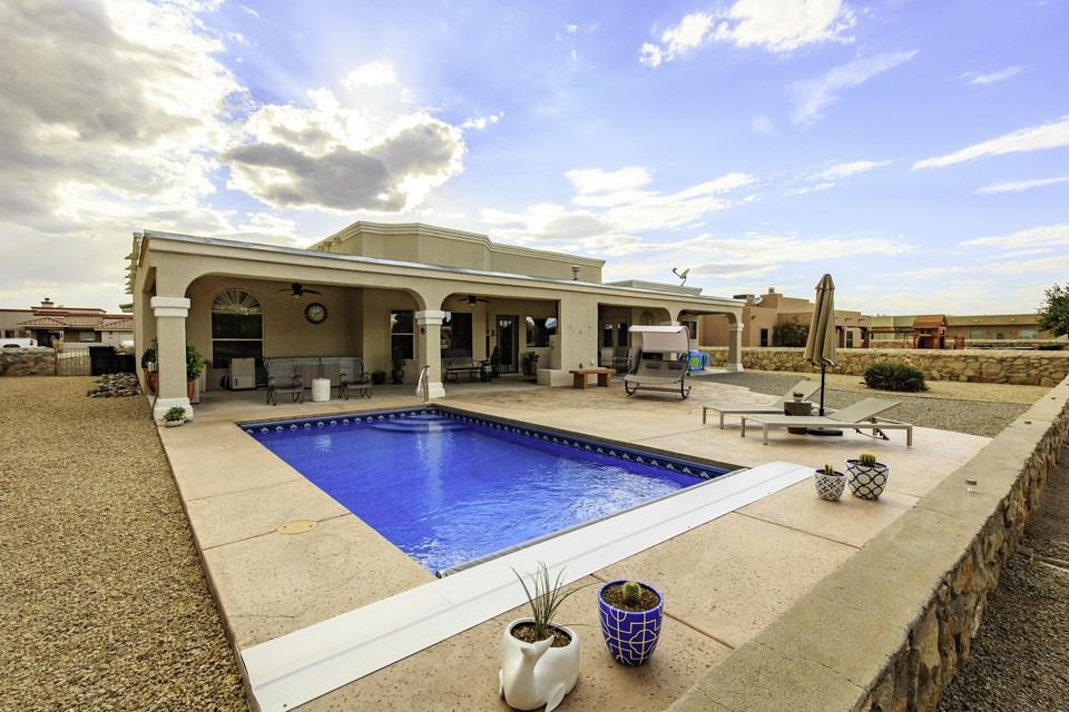 Backyard Escape | Pools By Design